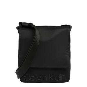 Calvin Klein Taška přes rameno 'SHADOW REPORTER W FLAP'  černá